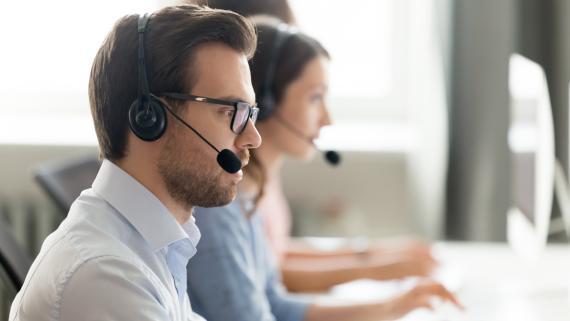 Personas call center