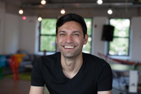 Ali Niknam, fundador y CEO del neobanco Bunq.