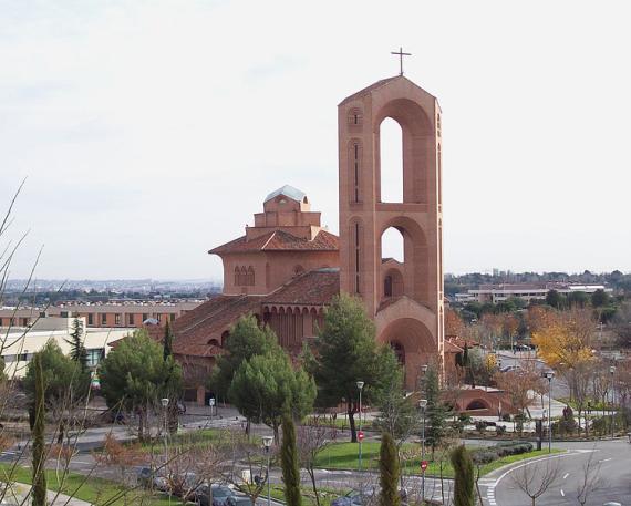 Vista de la Parroquia Santa María de Caná, en Pozuelo de Alarcón (Madrid).