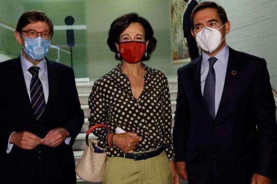 José Ignacio Goirigolzarri, Ana Botín y Carlos Torres, presidentes de Caixabank, Santander y BBVA.
