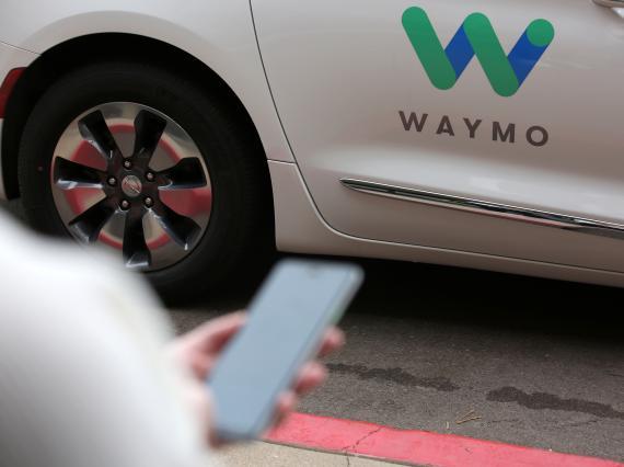 Un coche autónomo de Waymo