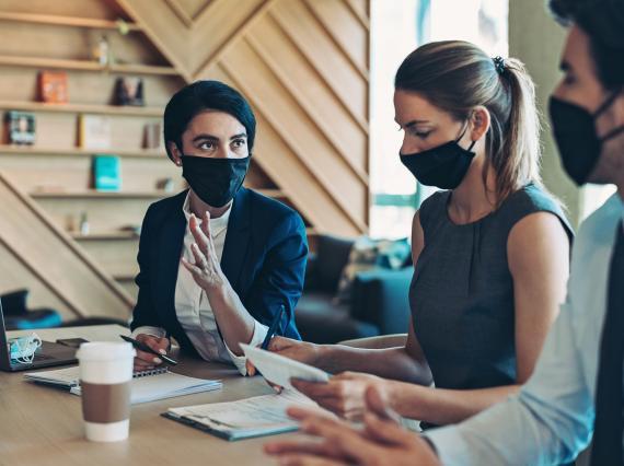Reunión de trabajo en pandemia