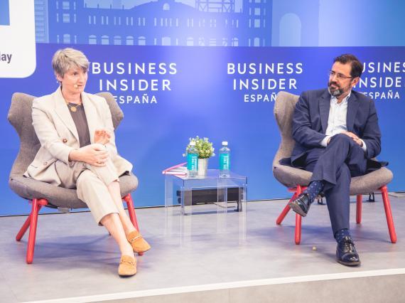 Hélène Valenzuela, directora general de Ouigo en España, y Javier Gándara, director general de easyJet para el Sur de Europa y presidente de la Asociación de Líneas Aéreas (ALA).