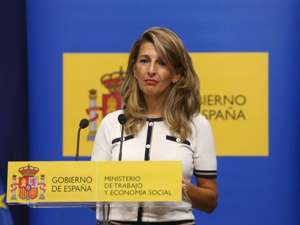 La ministra de Trabajo, Yolanda Díaz, en la rueda de prensa tras su reunión con los agentes sociales
