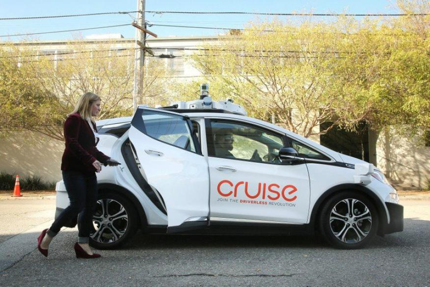 Un Chevy Bolt eléctrico autónomo.