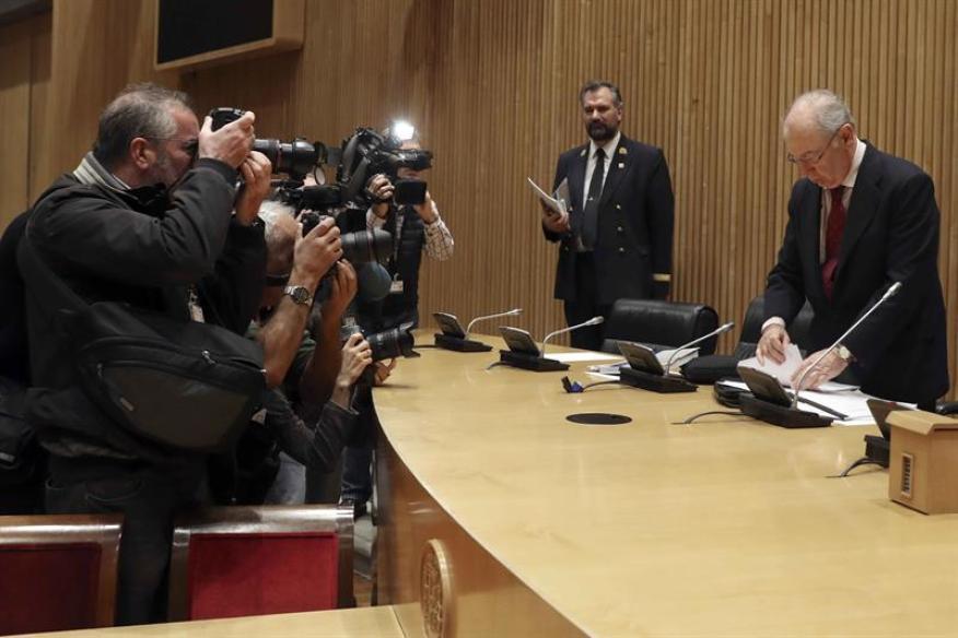 El ex vicepresidente del Gobierno, ex ministro de Economía y ex presidente de Bankia, en la comisión de investigación de la crisis financiera en el Congreso de los Diputados.