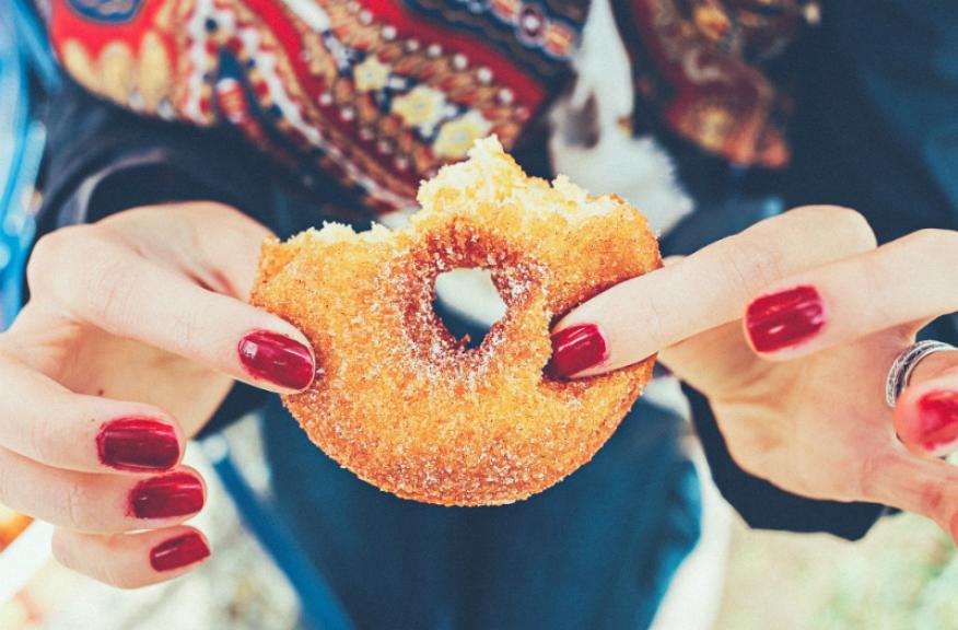 La economía rosquilla es un nuevo modelo económico propuesto por una economista.