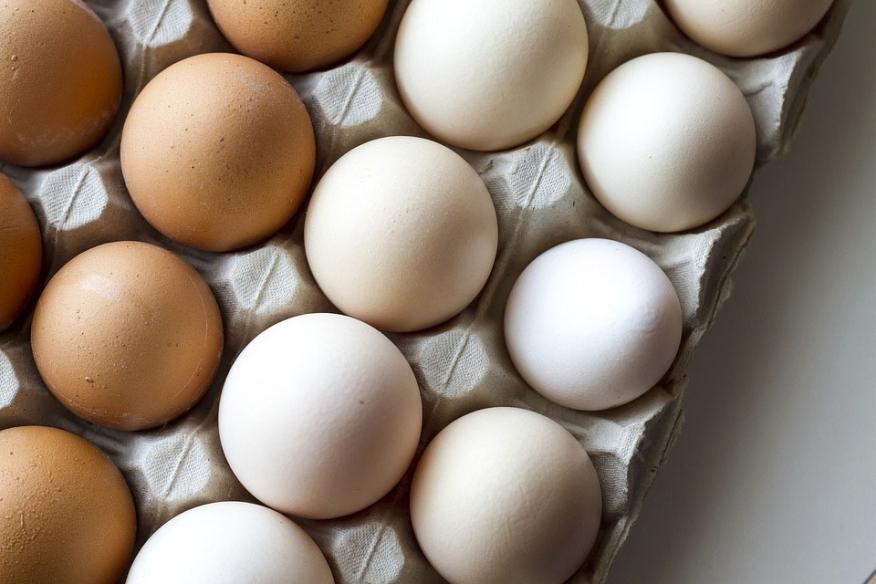 Huevos en huevera