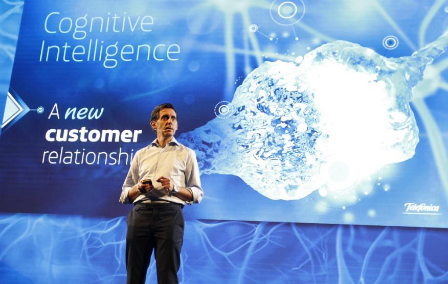 José María Álvarez Pallete, presidente de Telefónica, en el MWC 2017 durante la presentación de Aura.