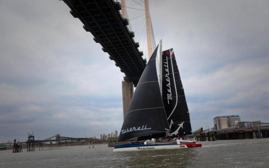 Maserati Multi70 ha logrado navegar de Hong-Kong a Londres en solo 36 días.