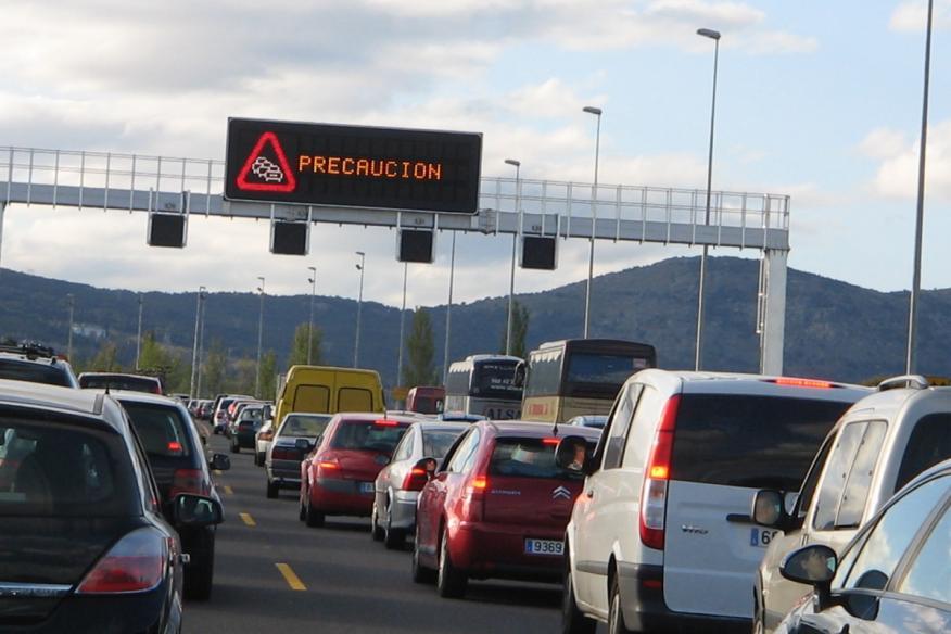 Las entradas y salidas de las grandes ciudades son los puntos más conflictivos para el tráfico.
