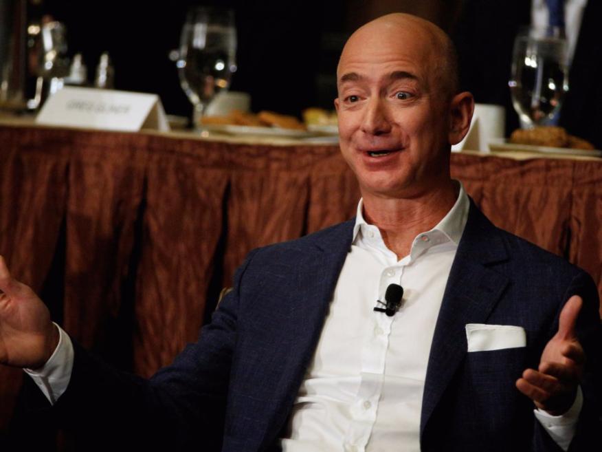 """Jeff Bezos le dijo a un empleado en una ocasión: """"si vuelvo a oír esa idea, me suicidaré""""."""
