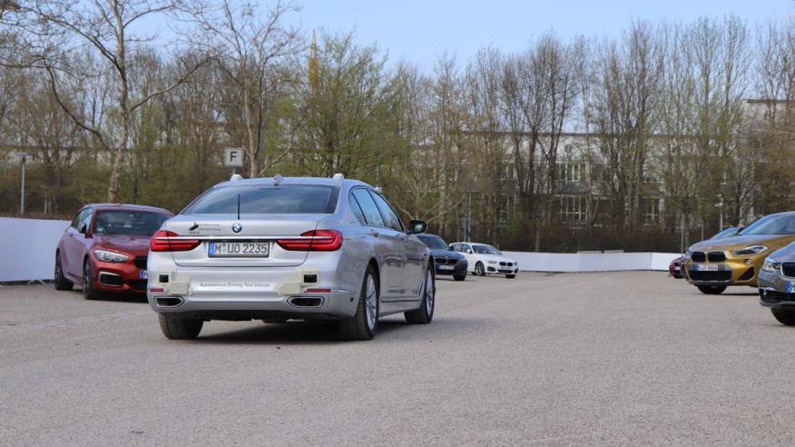 Un coche autónomo de pruebas de BMW
