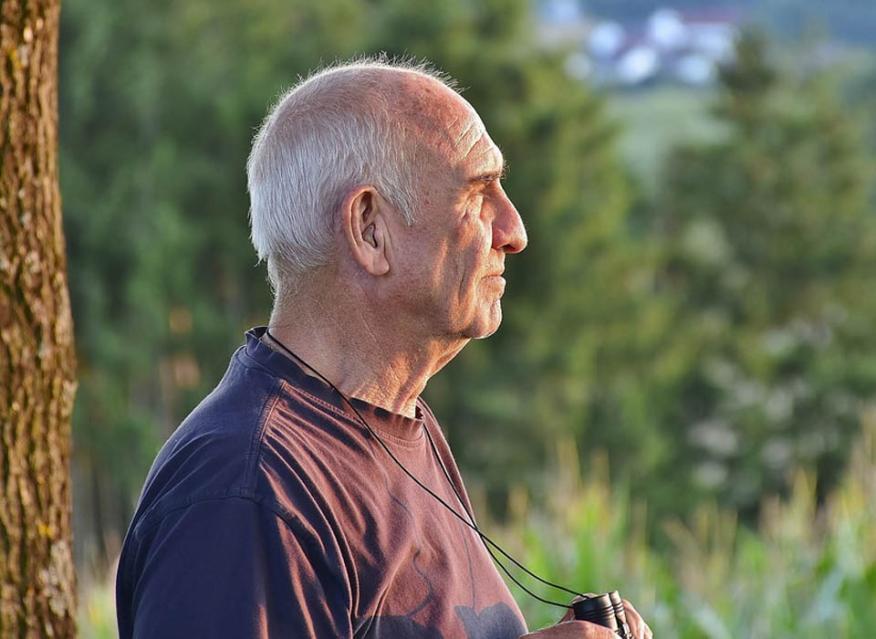 Jubilado preocupado por las pensiones