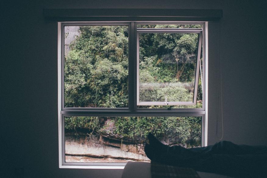 Ventana ventilación airear dormitorio habitación
