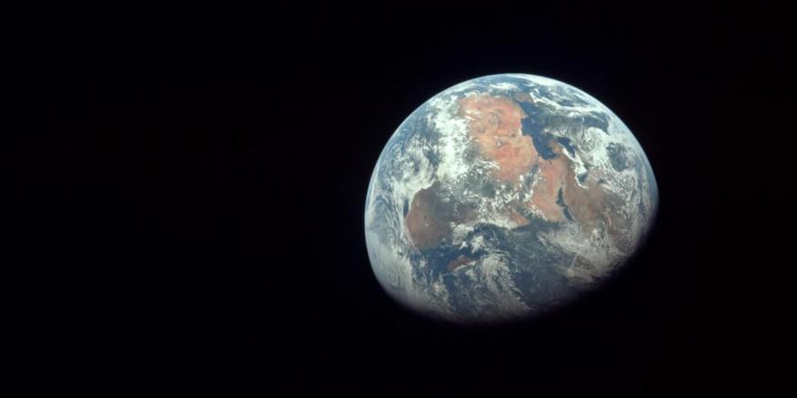 Astronautas del Apollo 11 tomaron esta foto de la Tierra el 20 de julio de 1969