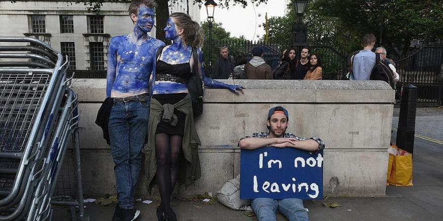 Manifestantes por los derechos de los ciudadanos de la Unión Europea.