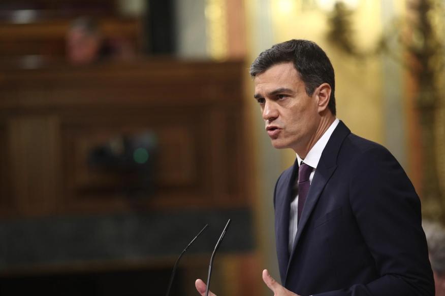 El presidente del Gobierno, Pedro Sánchez, explica las líneas generales de la política que aplicará su Ejecutivo en su primera comparecencia en el Congreso.
