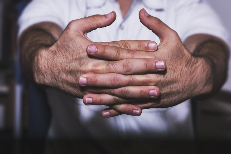 nudillos, manos