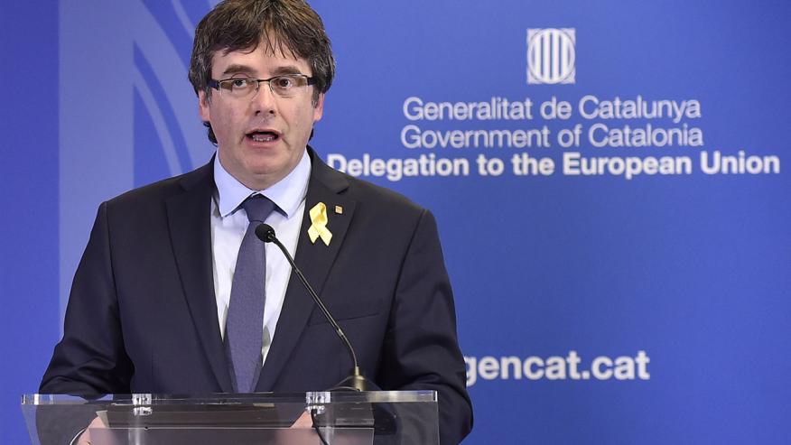 Puigdemont, durante una conferencia de prensa en la Delegación de Cataluña para la UE.