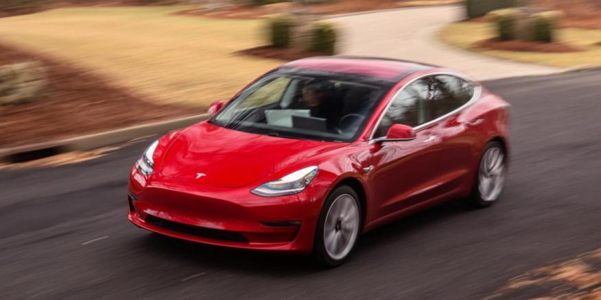 Al Tesla Model 3 no le fue excesivamente bien en la prueba.