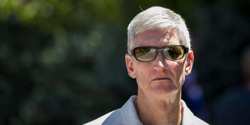 Tim Cook, director ejecutivo de Apple, asiste a la conferencia anual Allen & Company Sun Valley, 12 de julio de 2018 en Sun Valley, Idaho