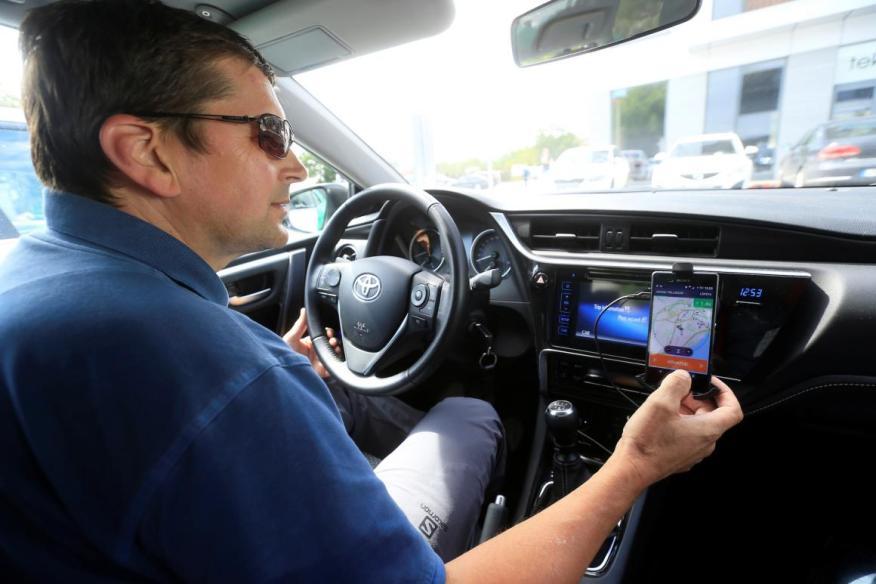 De media, Uber y otros conductores están ganando menos dinero que hace cinco años, según un nuevo estudio.