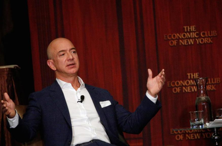 Jeff Bezos ha visto caer el valor de mercado de Amazon en 51.000 millones de dólares.