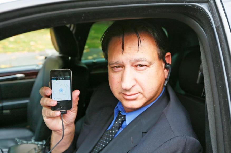 [RE] Muchas personas conducen para aplicaciones como Uber en su tiempo libre.