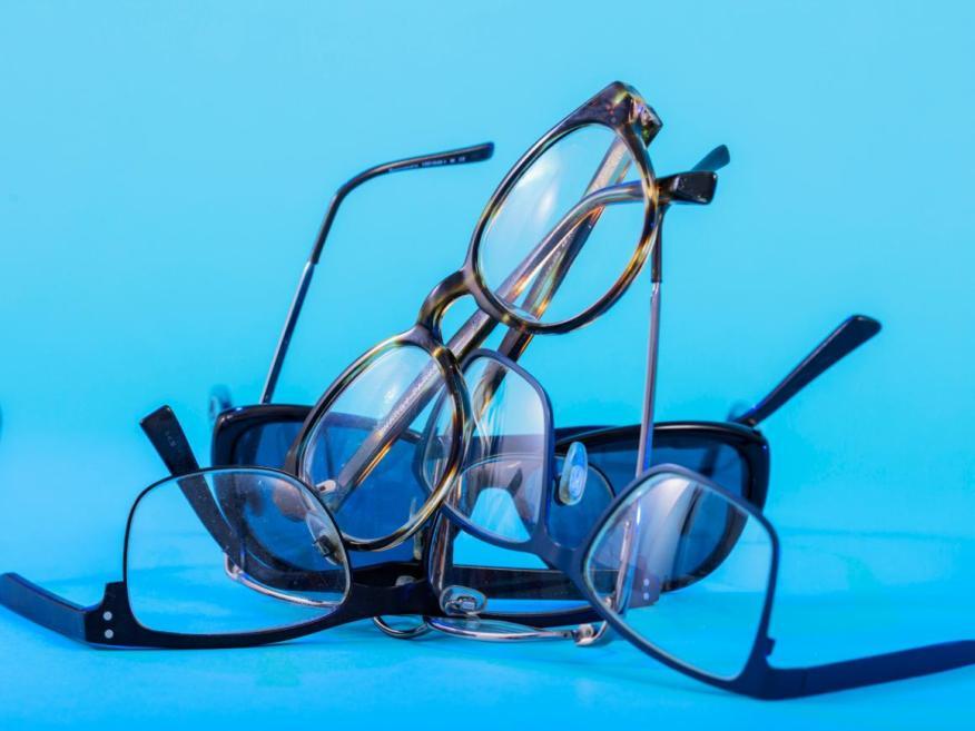 Mito: Las gafas especiales pueden proteger tus ojos de los efectos dañinos de la luz azul.
