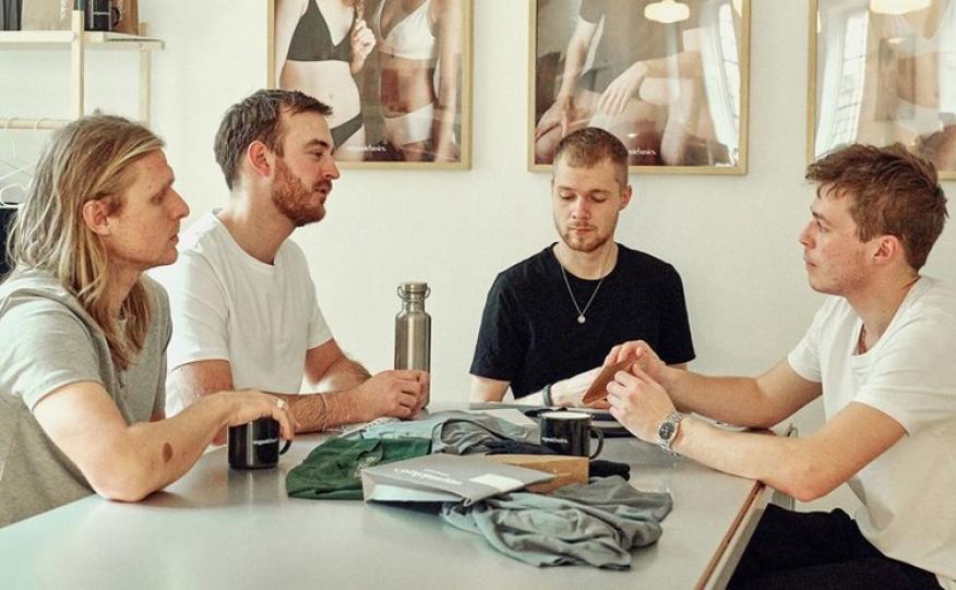 Organic Basics ha innovado en  ropa interior con una tecnología a base de plata que no necesita lavado durante semanas.