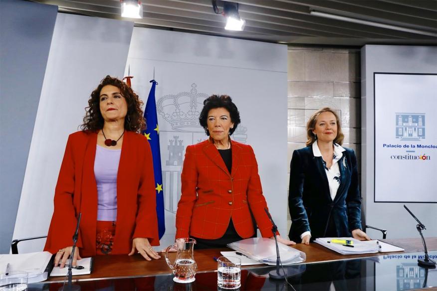 Las ministras Delgado, Celaá y Calviño, tras presentar los fallidos PGE de 2019.
