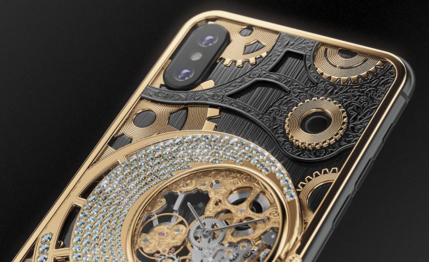 La versión especial Grand Complication Skeleton Diamond Edition de Caviar está disponible tanto en el iPhone XS como en el XS Max.