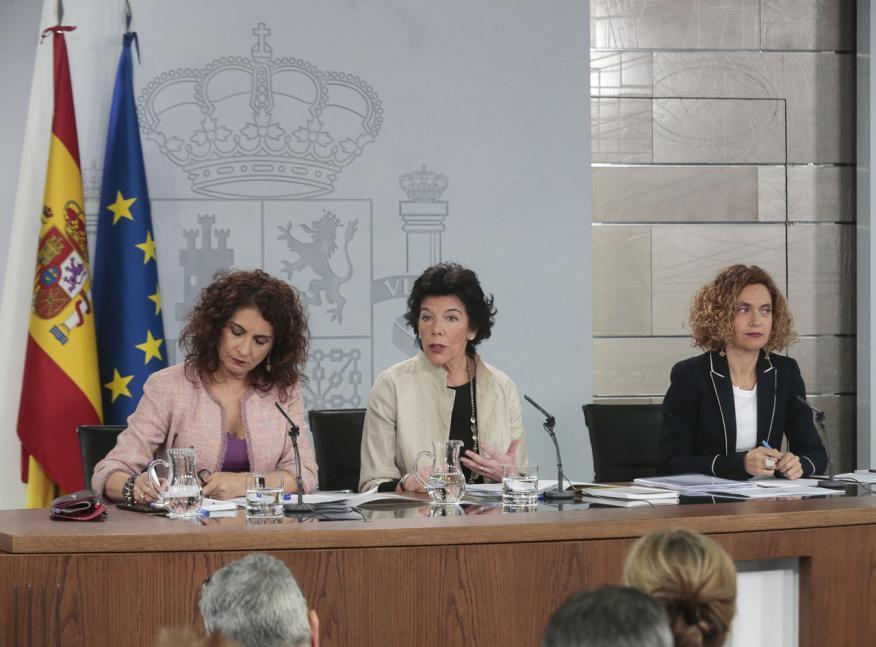 Isabel Celaá, María Jesús Montero y Meritxell Batet.