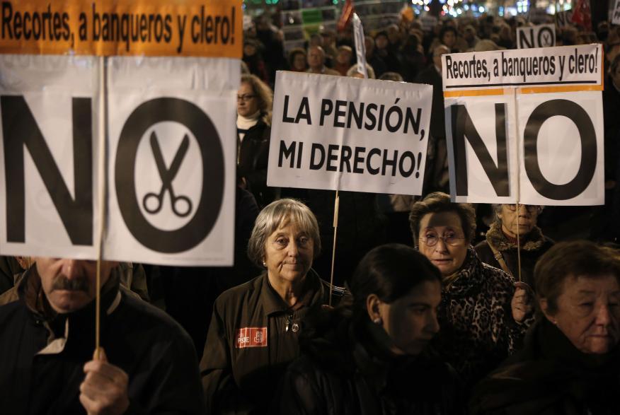 Manifestación en Madrid pidiendo la subida de las pensiones en 2012.