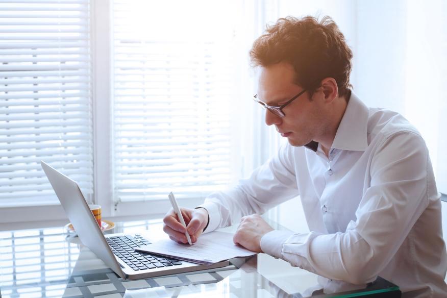 Una experta que ha leído más de 50.000 curriculums explica los 7 errores más molestos