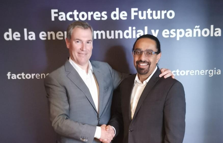 El CEO de Factor Energía, Emilio Rousaud y el catedrático de la Singularity University, Ramez Naam en la jornada Factores de Futuro