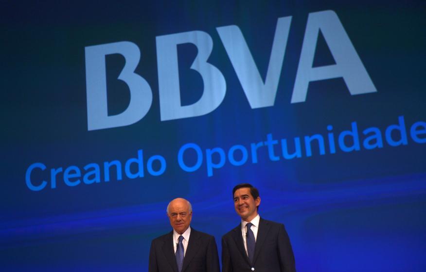 Francisco González, cuando era presidente de BBVA, y Carlos Torres, en aquel momento consejero delegado de BBVA.
