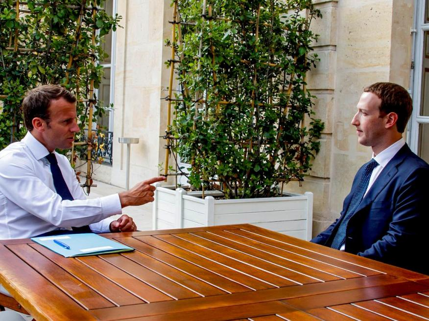 El presidente francés Emmanuel Macron y Mark Zuckerberg, CEO de Facebook.
