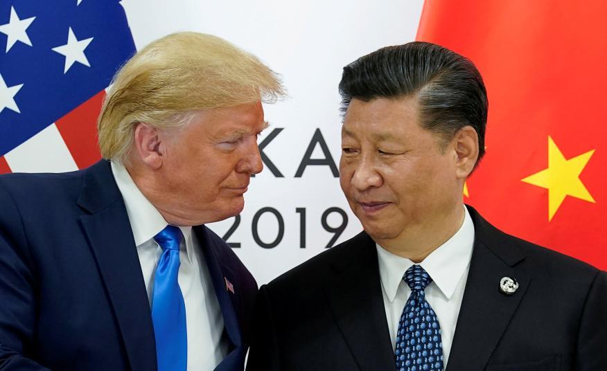 Donald Trump, presidente de los Estados Unidos y Xi Jinping, presidente de China, durante la reunión del G20 en Osaka (Japón) celebrada en junio de 2019..