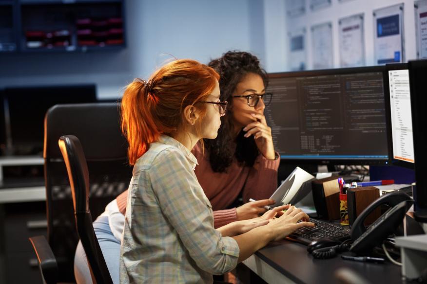 Dos programadoras