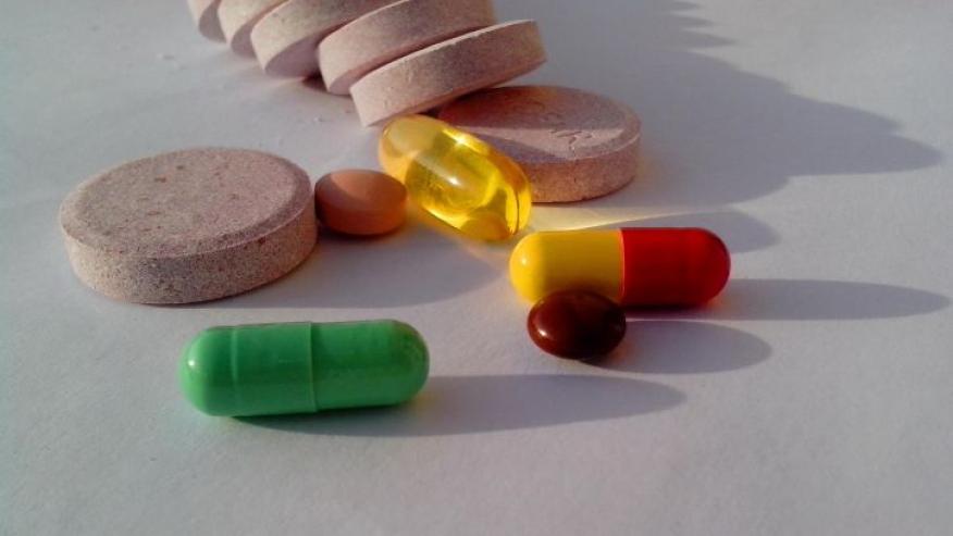 suplemento, pastillas, medicamentos