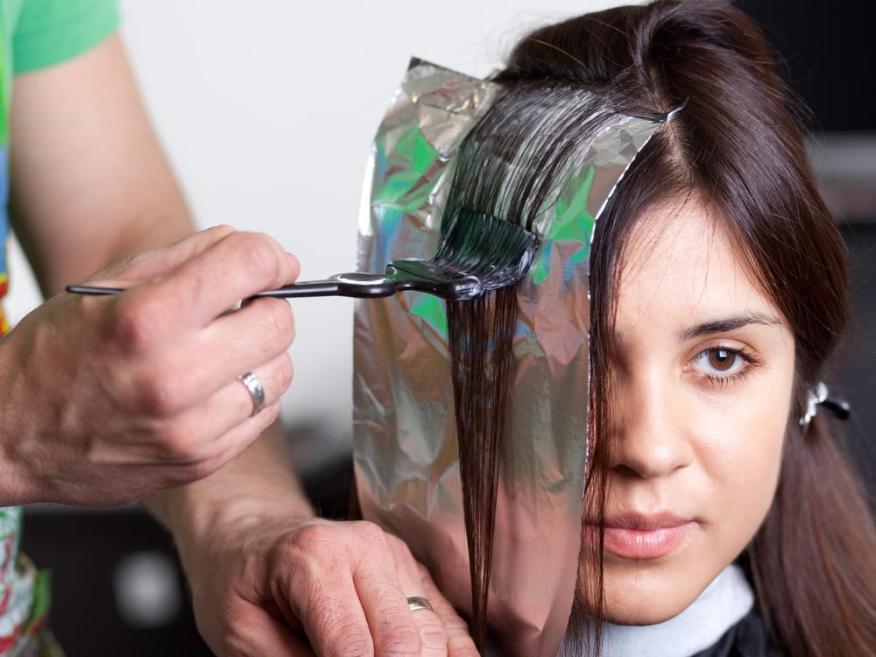 Hay más de 5.000 químicos en el tinte de cabello.