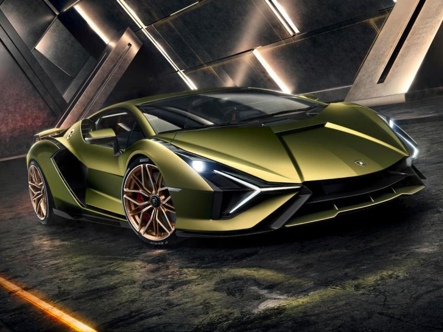 El modelo Sián tiene una potencia combinada de 819 caballos, convirtiéndolo en el coche más potente que Lamborghini haya hecho.