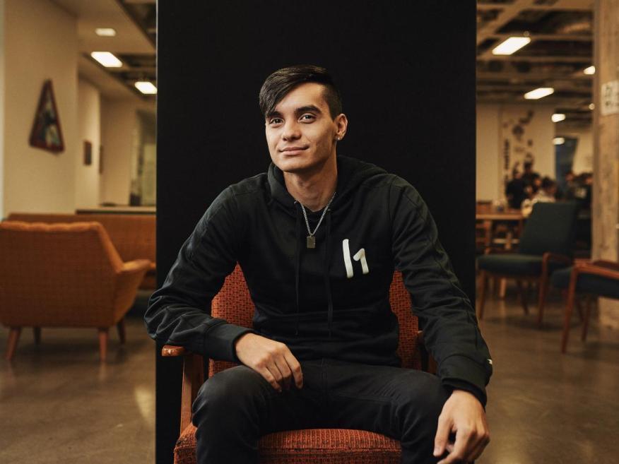 Santiago López se hizo millonario a los 19 años.