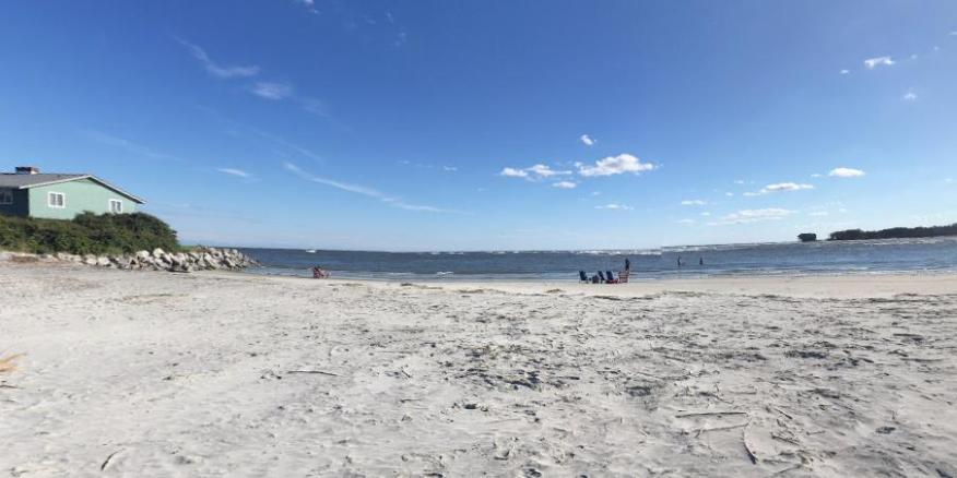 Una playa en Fripp Island en el condado de Beaufort, Carolina del Sur, Estados Unidos.