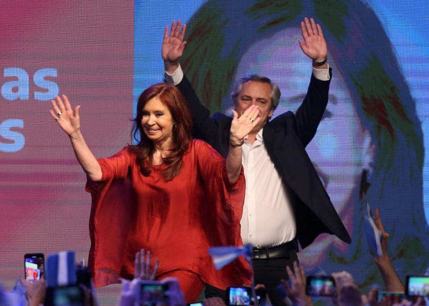 Cristina Fernández de Kirchner y Alberto Fernández, tras el triunfo en las elecciones de Argentina.