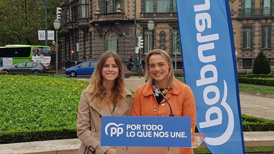 Beatriz Fanjul (i), nueva diputada del PP en el Congreso.