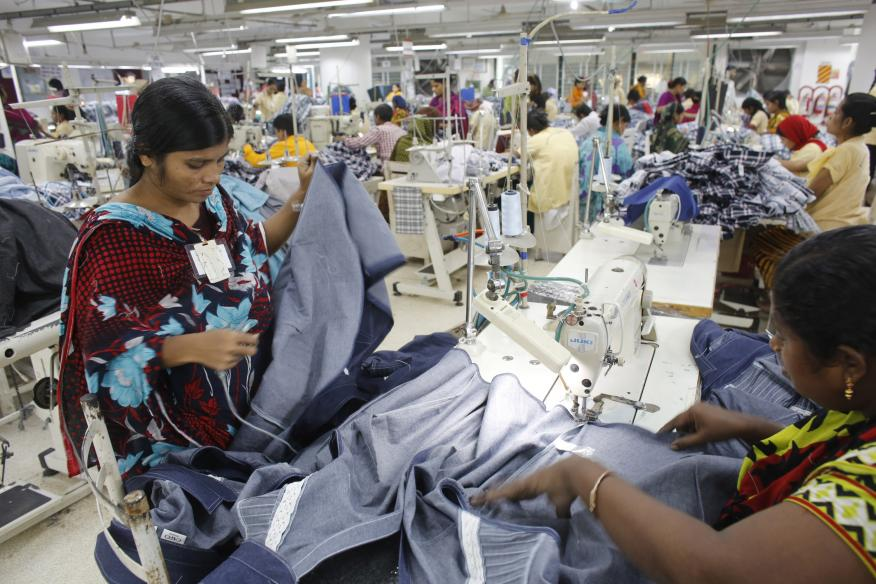 Fábrica textil en Dhaka, Bangladesh