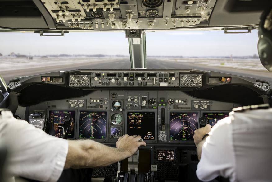 Pilotos de un avión.